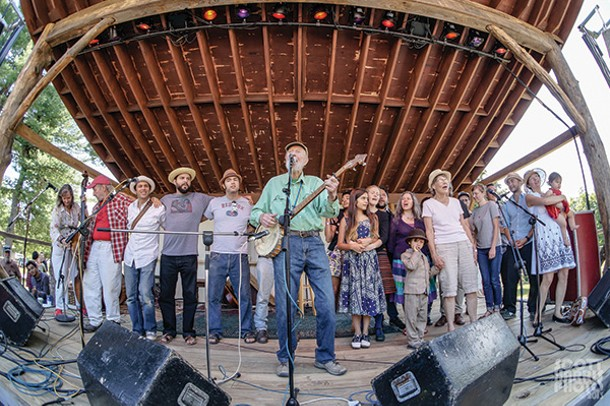 Pete Seeger and friends at the finale of the 2013 Summer Hoot. - SCOTT HARRIS