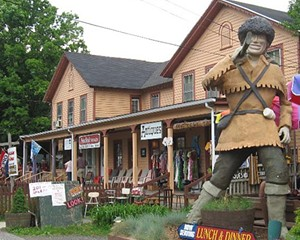 Phoenicia's Davy Crockett statue, to be officially re-erected in front of Mystery Spot Antiques on August 17.