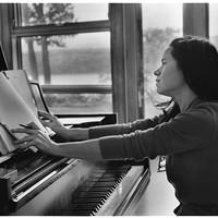Natalie Merchant Profile