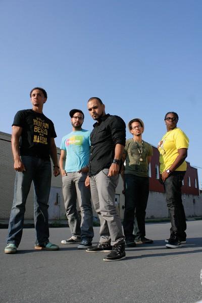 ReadNex Poetry Squad: Decora, Latin Translator, Jarabe Del Sol, DJ H20, Free Flowin - FIONN REILLY