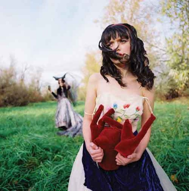 Snow White, Her Heart, The Queen - Alicia J. Rose | 2007