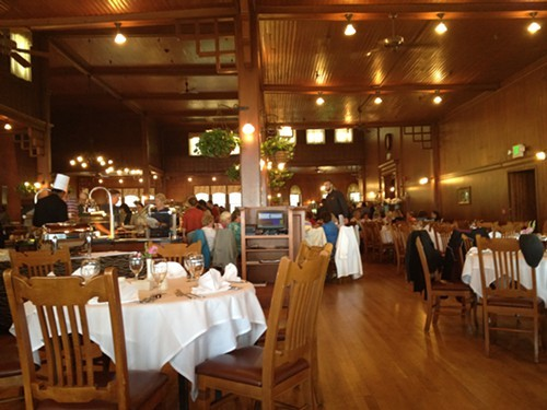 The busy dining room at Mohonk Mountain House