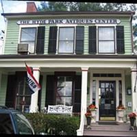 The Hyde Park Antiques Center