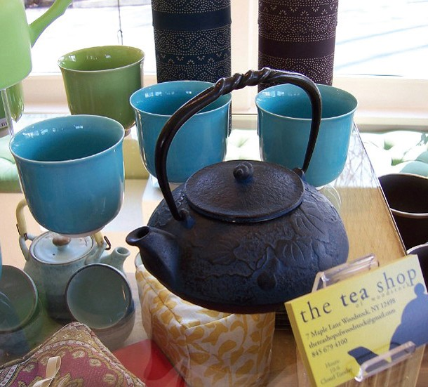 gift-guide--tea-shop.jpg