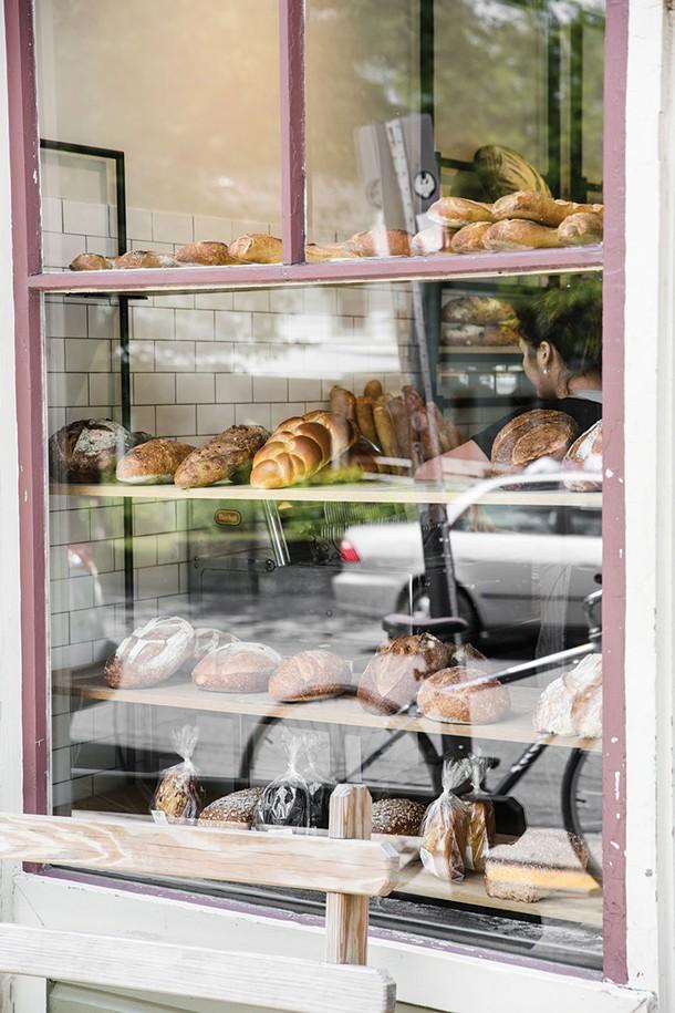 Bread Alone in Woodstock - EVA DEITCH