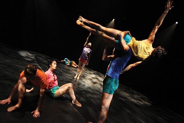 Dusan Tynek Dance Theatre performs at Kaatsbaan November 19 - JULIETA CERVANTE