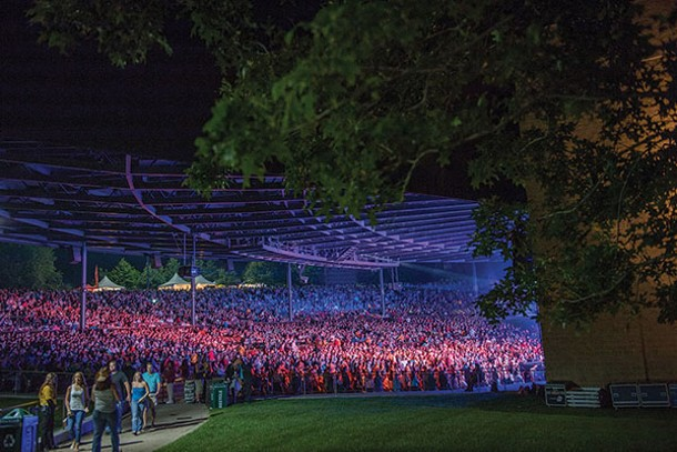 Zac Brown Band audience at Bethel Woods