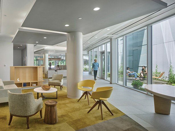 Indoor and outdoor spaces promote wellbeing at Memorial Sloan Kettering Monmouth Outpatient Center, also designed by Guenther. - PHOTO: HALKIN MASON PHOTOGRAPHY
