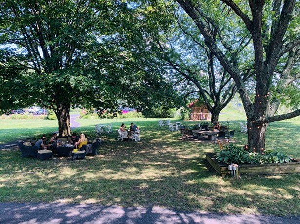 Outdoor seating at Red Maple Vineyard