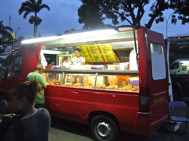 chinese-food_truck_in_noum_a_new_caledonia_2011.jpg