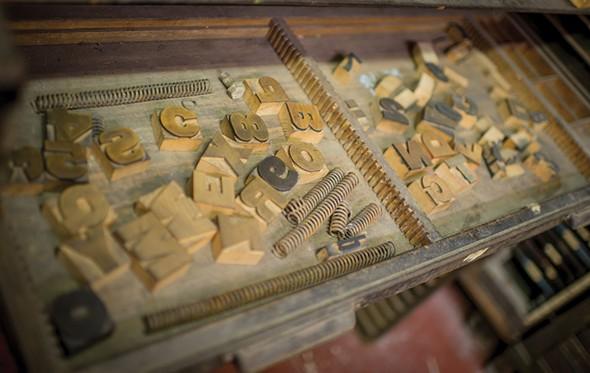 Wood type in the press room - CHRISTINE ASHBURN