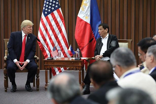 Filipino President Rodrigo Roa Duterte and US President Donald Trump at the Philippine International Convention Center in Pasay City on November 13, 2017.
