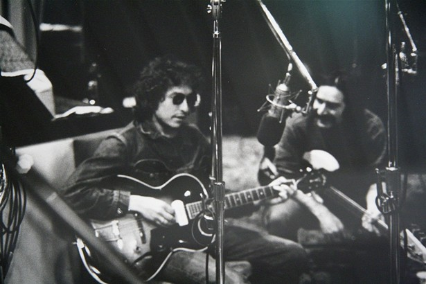 Bob Dylan and Happy Traum, circa 1971.