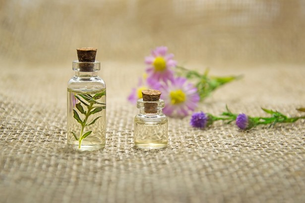 essential-oils-2884618_960_720.jpg