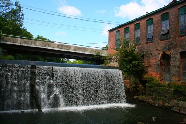 Minisceongo Creek Waterfall