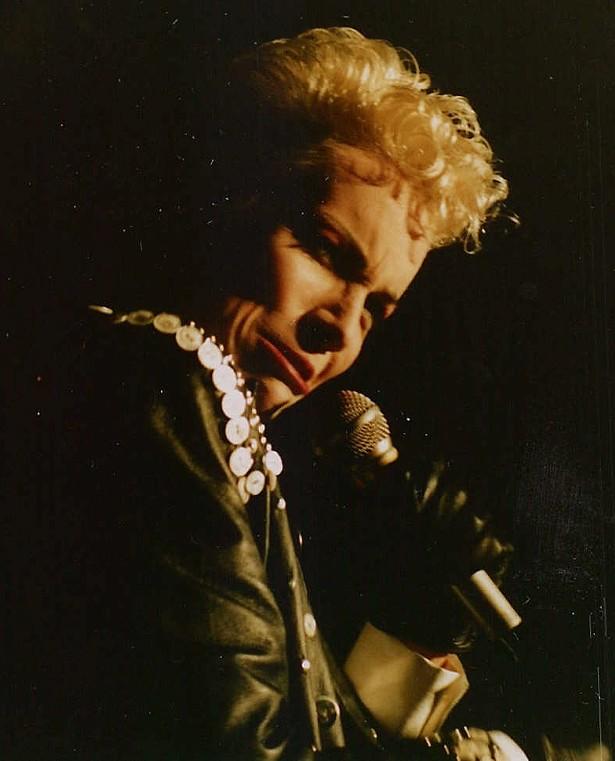 annie_lennox_rock_am_ring_1987.jpg