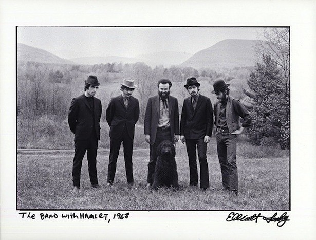 The Band and their dog Hamlet, photographed in 1968 by Elliott Landy - ELIOTT LANDY