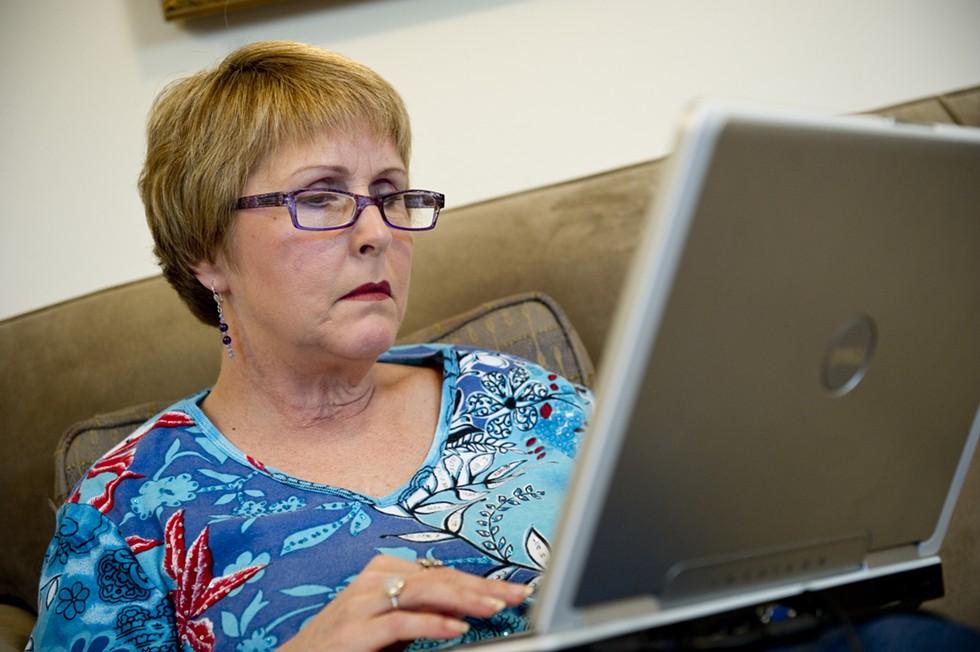 woman_on_the_computer.jpg