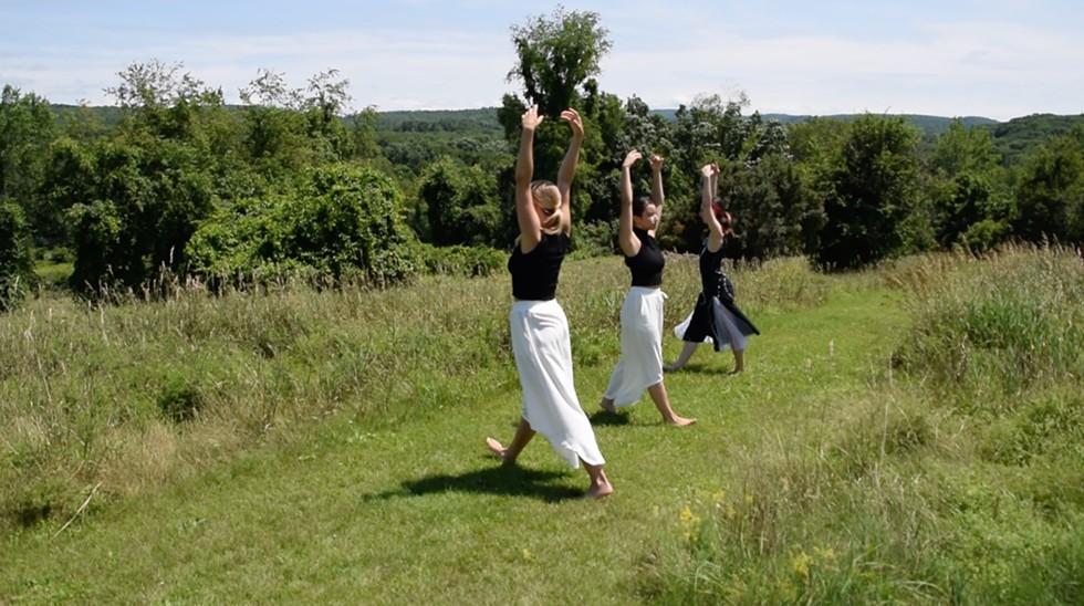 Dancers Hannah Straney, Kristina Diaz, and Claire Deane