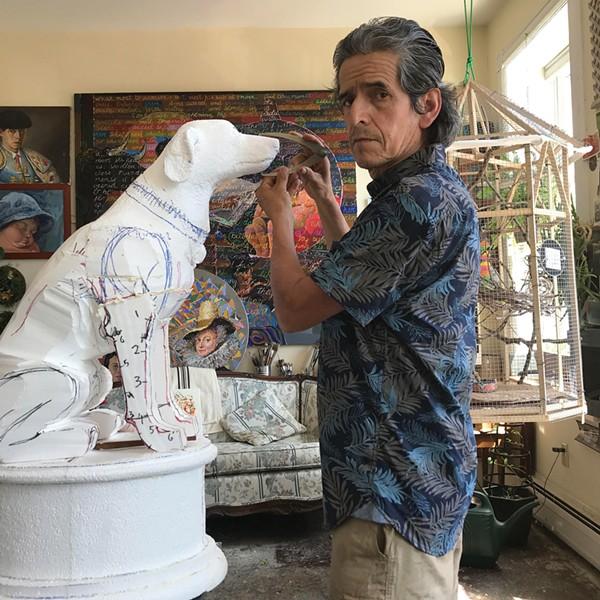 Nestor Madalengoitia in his studio