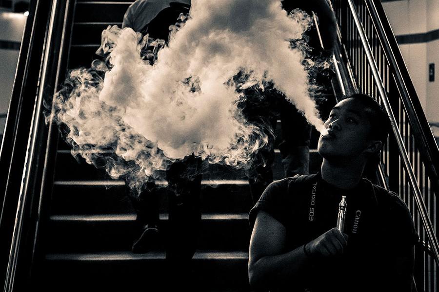 wyws_smoke_screen_16582794210_.jpg