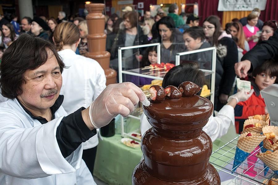 sl_chocolate-expo_chocolate-fountain.jpg