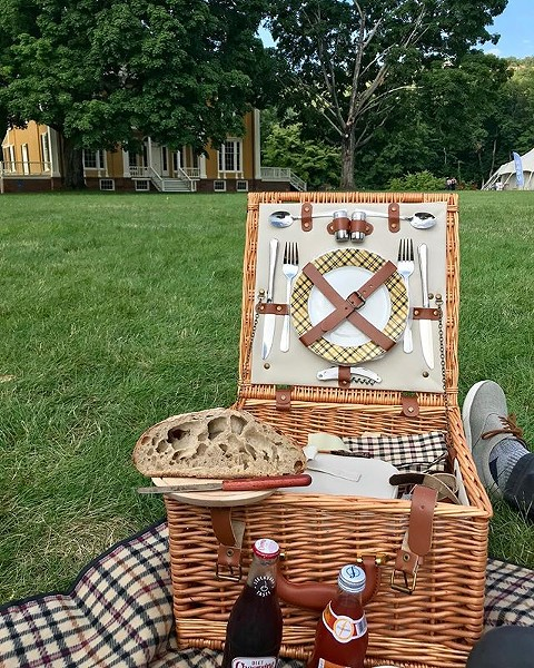 A PICNIC AT BOSCOBEL