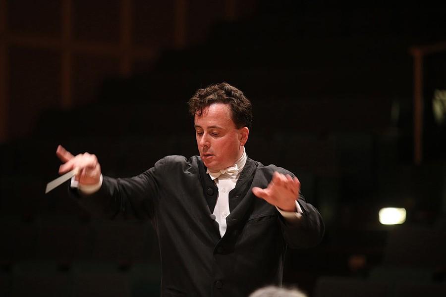 Maverick Concerts' Music Director Alexander Platt