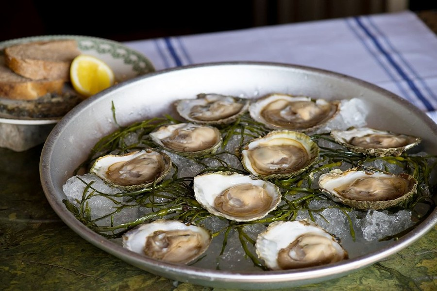 le_perche_oysters.jpg