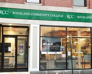 This Visitors Center Should Be Your First Stop Before Exploring Nyack In Autumn