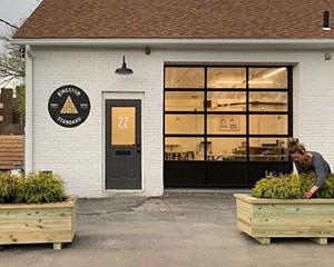Kingston Standard Brewing Co. Brings Oysters & German-Style Beer to Midtown