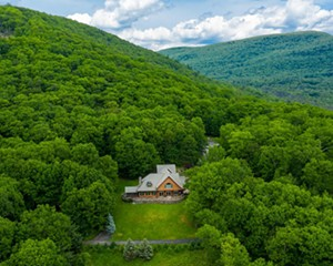 A Stunner in Shokan: Views, Location, and Room for the Whole Family