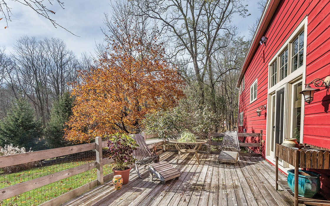 Old Barn New Tricks A Converted Barn Home For Sale In Woodstock