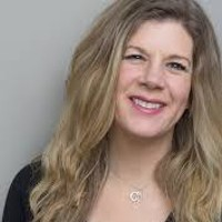 Dar Williams Plays Beacon Benefit on Sunday