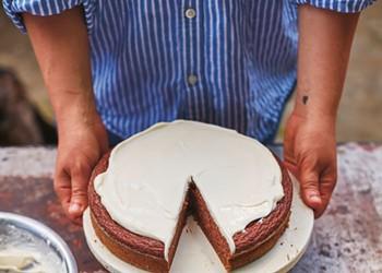 Julia Turshen's Scrumptious Applesauce Cake Recipe