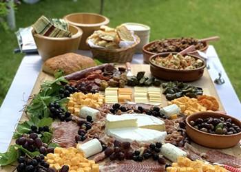 Seasonal Wedding Catering 101