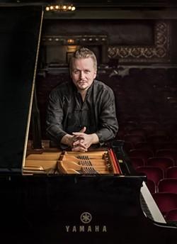 9e90dbce_ilya_yakushev-pianist.jpg