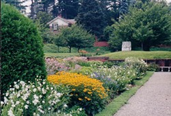7507e7ea_vanderbilt_garden_for_notices.jpg