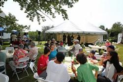 ee0df115_dhc_picnic.jpg