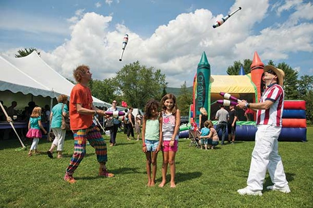 Volunteer appreciation day in Woodstock. (l-R) Dave Chandler, Ella Williams, Madison Wilson, Jamie Gregerson.