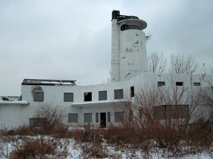 11 Photos of the Abandoned Whiskey Island Coast Guard Station