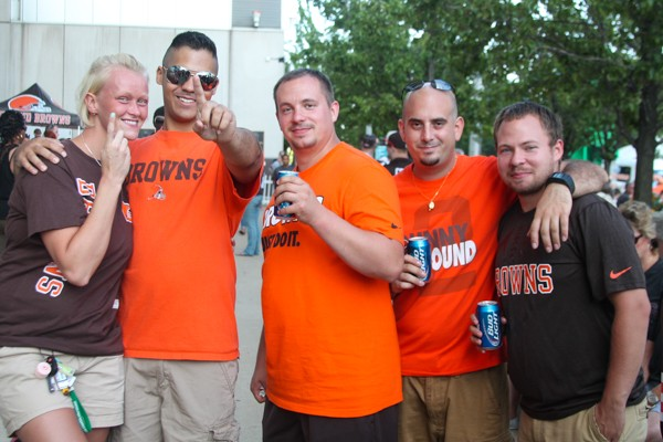 16 Fan Photos from the Browns Preseason Game Against the St. Louis Rams
