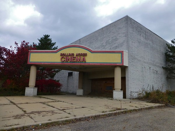 Toy Stores Green Bay : Photos of akron s abandoned rolling acres mall scene