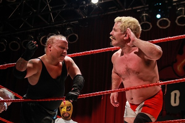 35 Photos of Extreme Midget Wrestling at House of Blues