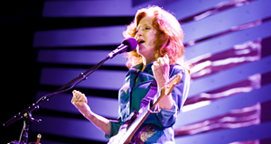 Bonnie Raitt at Akron Civic Theatre