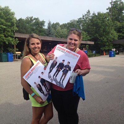 Fan Cam: Here Are the Biggest Fans from Last Night's Jonas Brothers Concert