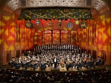the_cleveland_orchestra_at_christmas_-_photo_by_roger_mastroianni_-_clo121408_02.jpg