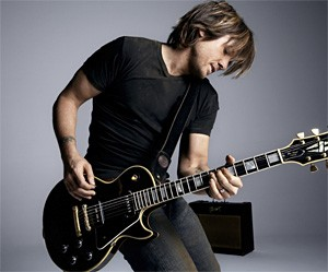 Keith Urban strikes a chord.