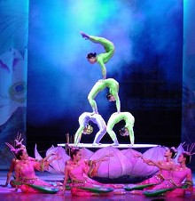 peking-acrobats.jpg