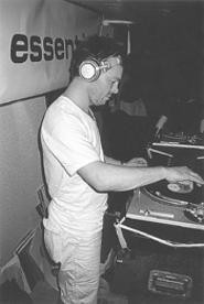 Pete Tong makes the boat bump at Winter Music - JEFF  NIESEL
